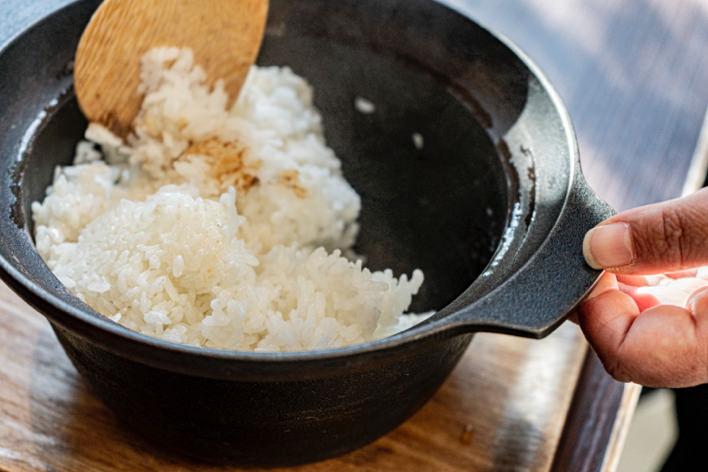 鉄鍋で炊いたご飯